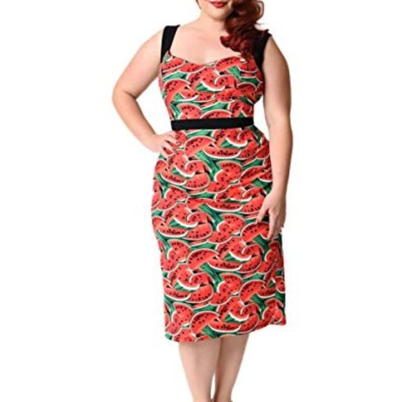 a449a22c82d Unique Vintage watermelon-print wiggle dress. M 5c523a2b12cd4a07a00f373f